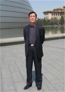北京市八一学校国际部汤继才(Mr.Tang)图片