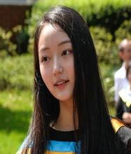 成都七中国际部胡心仪图片