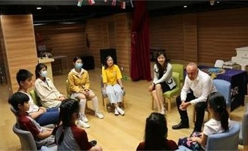 北京明诚外国语学校:榜样力量无限大图片