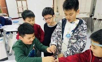 """""""双减""""之下,探究北京王府学校二十五载于教育变革中勇立潮头的不竭动力图片"""