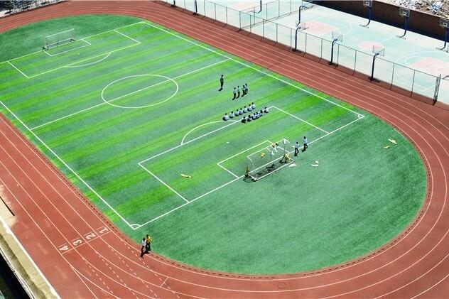 北京爱迪国际学校运动场所图集