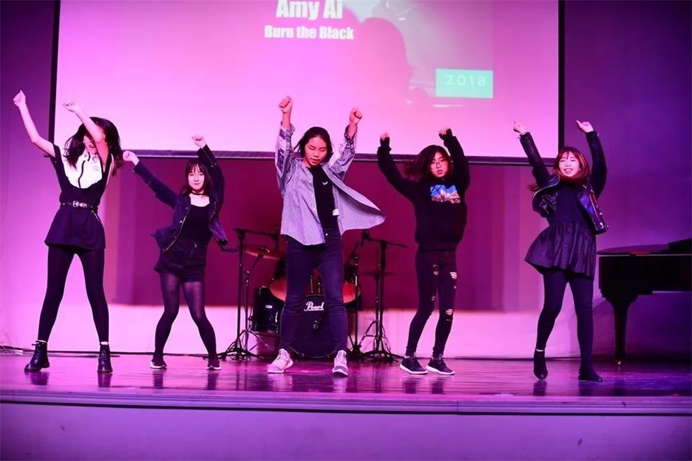 北京乐成国际学校学生偶像之夜活动图集