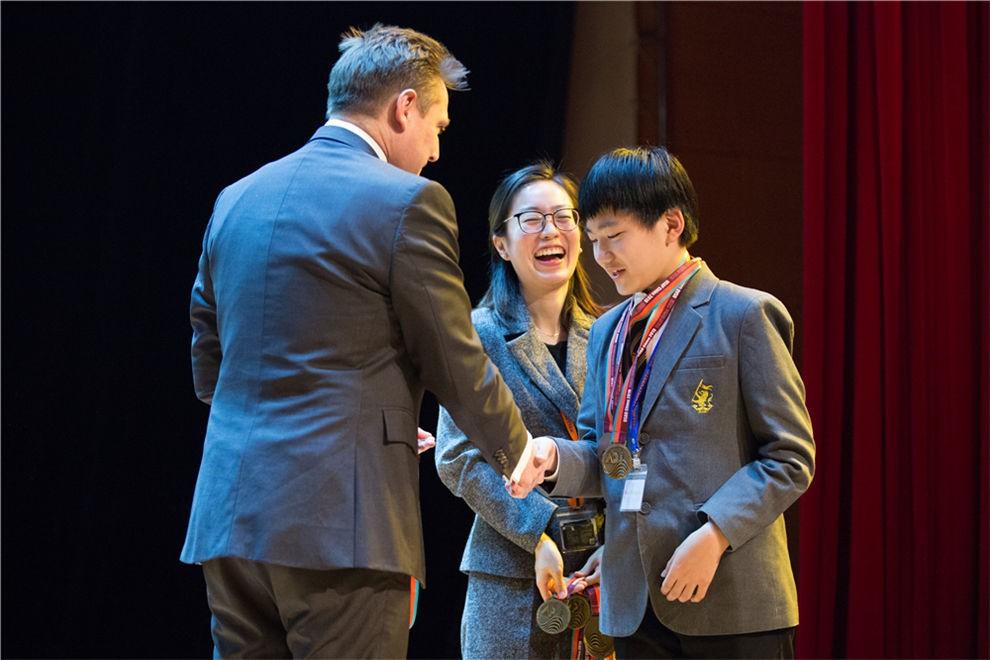 天津惠灵顿国际学校学子们在美国学术竞赛图片03
