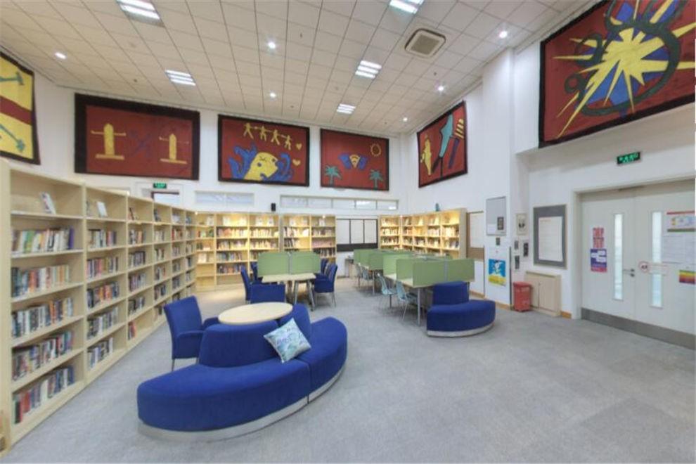 天津惠灵顿国际学校图书馆图片