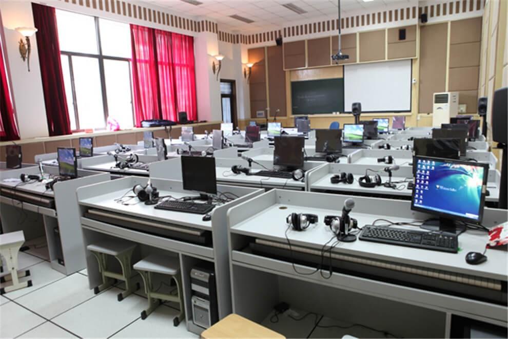 杭州第四中学国际部教室设备图集