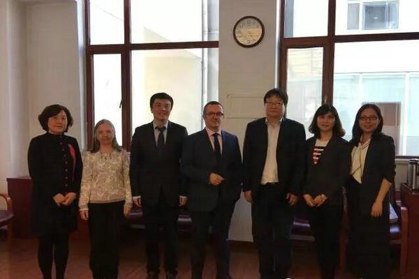 天津市新华中学国际部领导视察图集