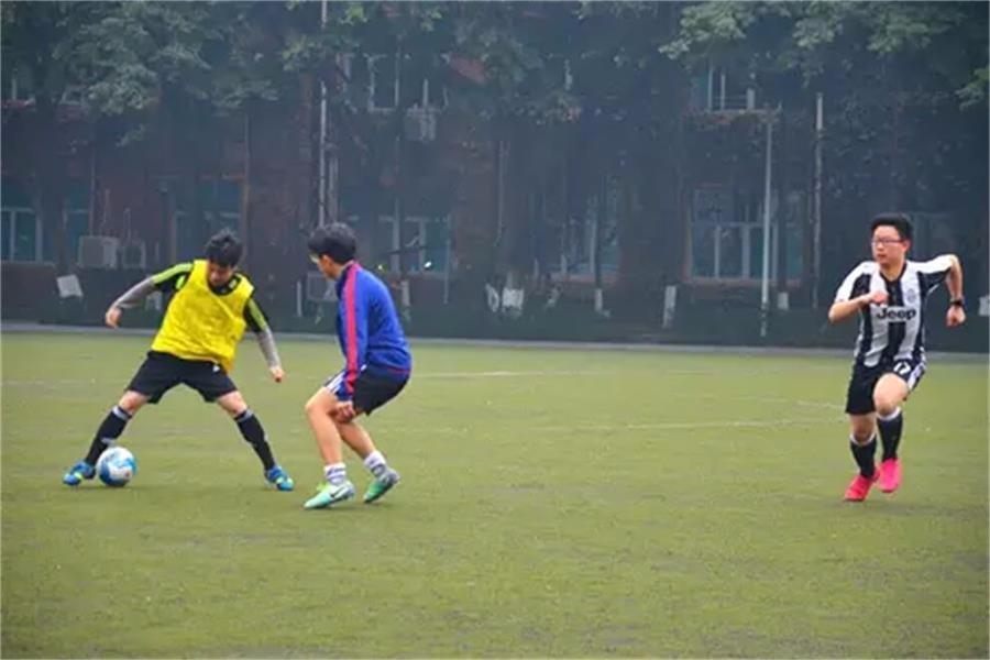 牛津国际公学成都学校师生友谊足球赛图集