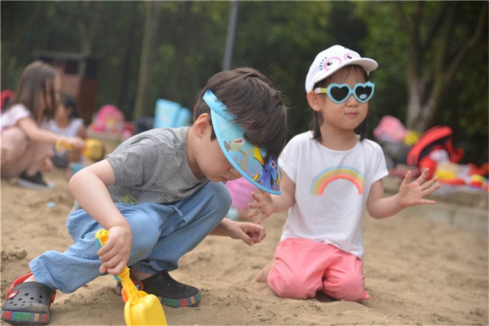 无锡国际学校幼儿园挖沙季户外活动图集