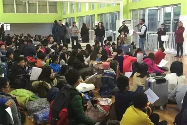宁波至诚学校室内露营图集