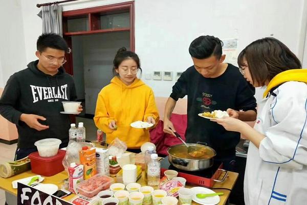 唐山市第一中学中加国际班美食节图集