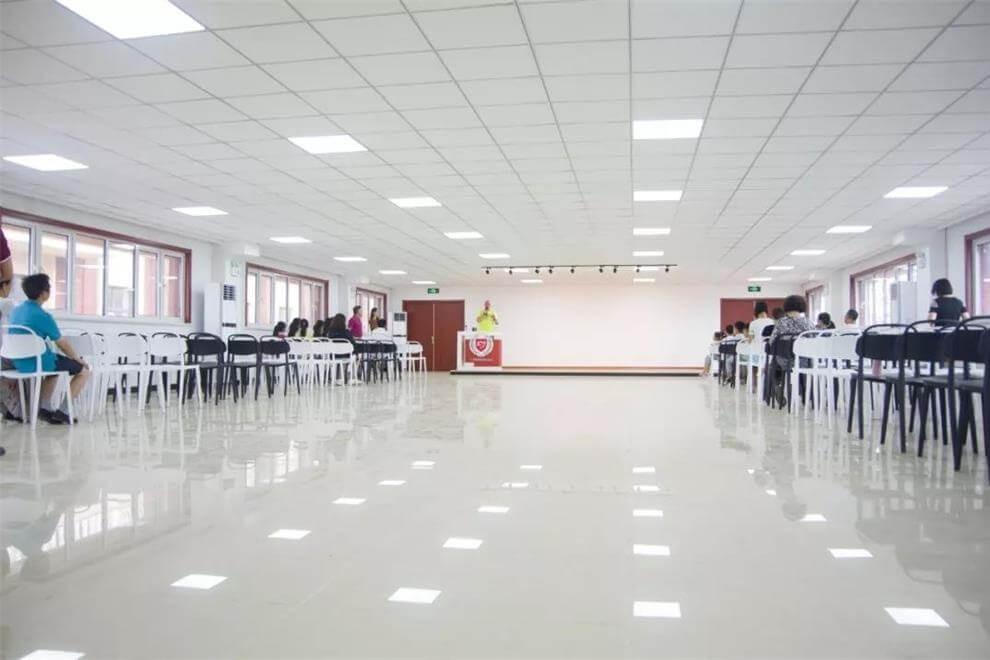 天津格瑞思学校活动会议室图集