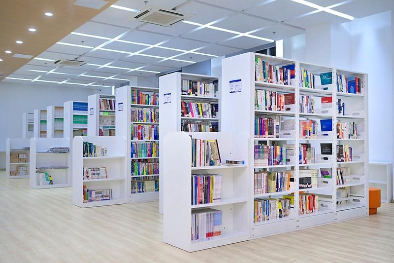 新东方国际双语学校图书馆图集