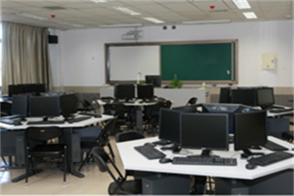 北京师范大学附属中学国际部计算机教室图集