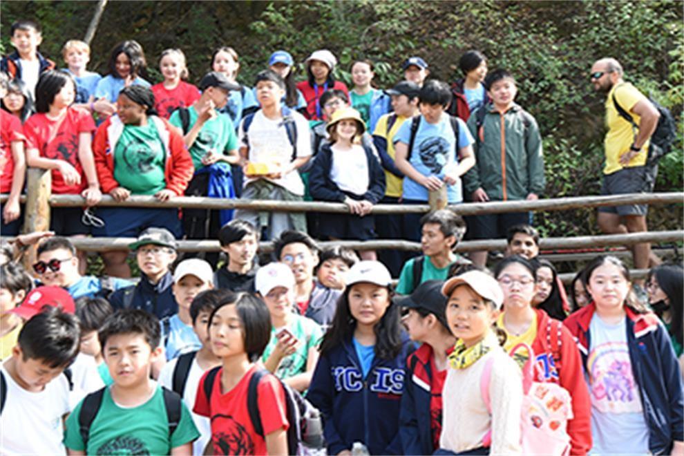 北京耀中国际学校清扫长城活动图集