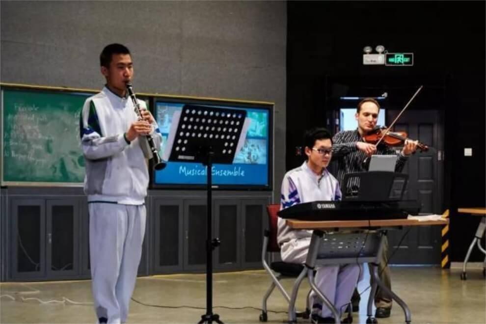 北京市八一学校国际部社团嘉年华活动图集