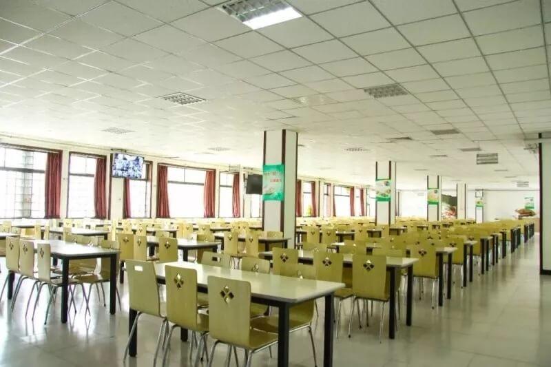 北京昌平凯博外国语学校食堂风光图片01