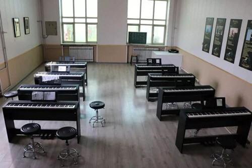 三河市光大学校国际部多功能教室图集