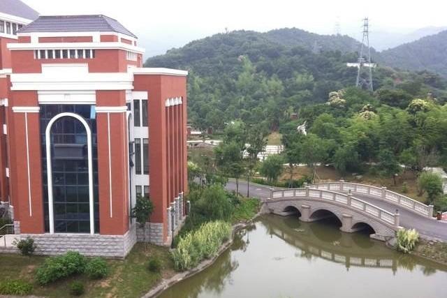 浙江省舟山中学国际班校园风景图片06