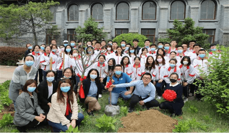 呼市二中国际部植树图集