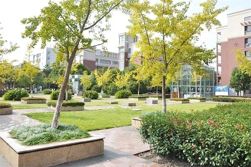上海光华学院剑桥国际中心校园环境图片04