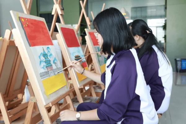 青岛格兰德中学绘画图集