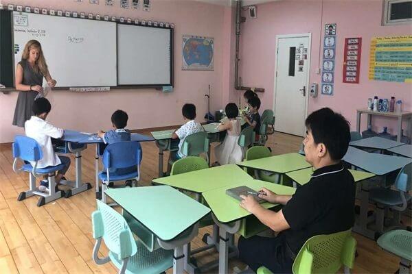 海南力迈中美国际学校课堂学习图集