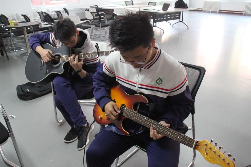 山东淄博实验中学国际部吉他社团图集