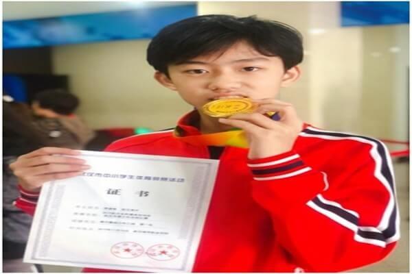 武汉外国语英中学校击剑比赛图集
