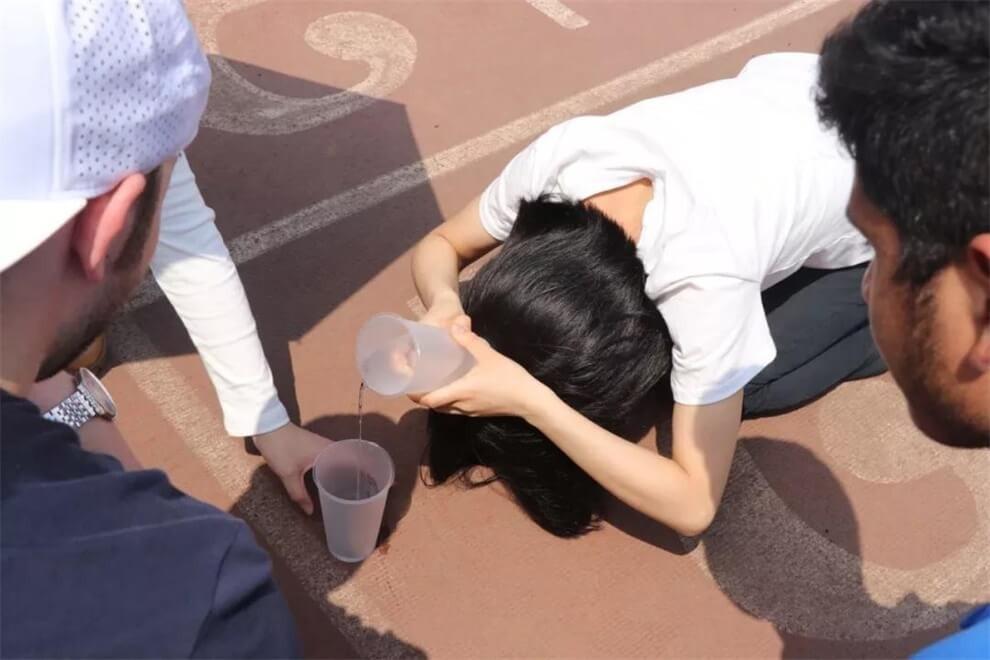 武汉光谷剑桥国际高中接水接力赛图集