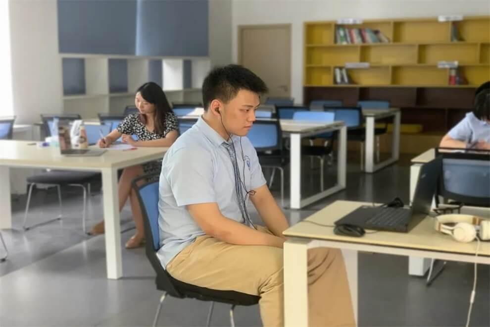 武汉光谷剑桥国际高中Spelling Bee比赛图集