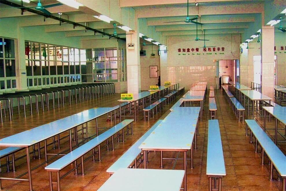 广州市增城区凤凰城中英文学校餐厅图片