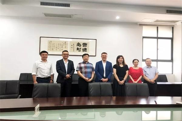 武汉市第六中学国际部国外教师访校图集