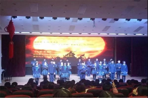 武汉外国语学校国际班文艺活动图集