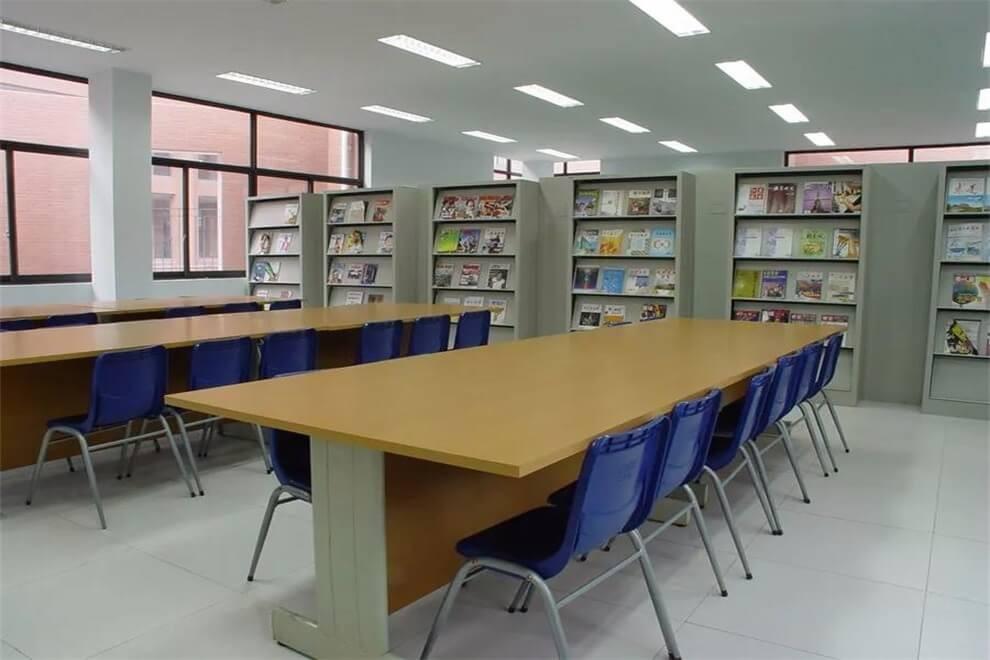 新疆大光华国际学校图书馆图集