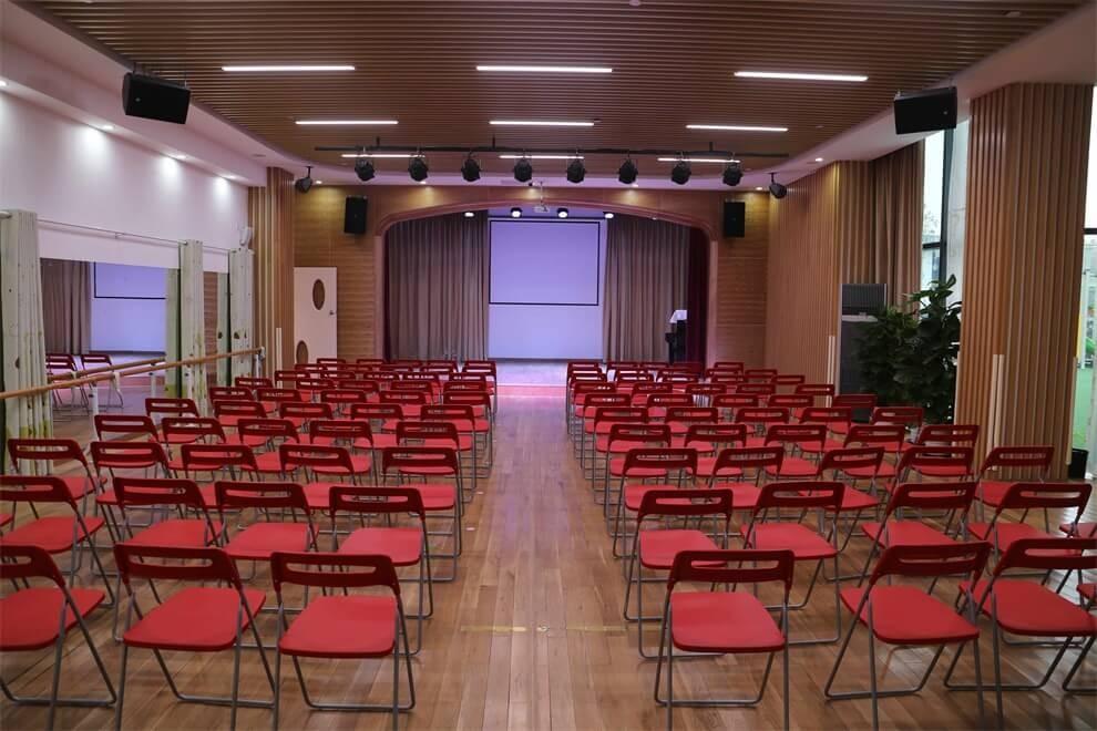 上海青浦区圣地雅歌幼儿园剧场图集