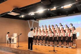 燎原双语学校参加闵行区合唱比赛图片