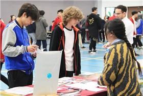 昆山加拿大国际学校成功举办第三届大学展图片