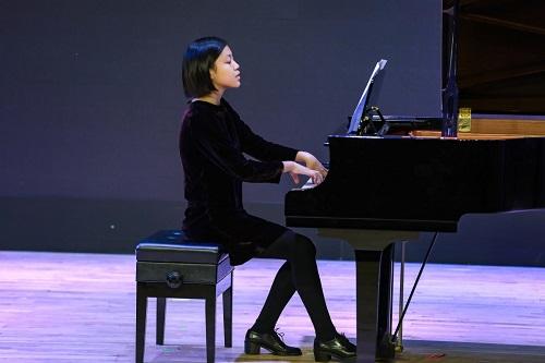 演奏者:Amy Dang(Grade 9)